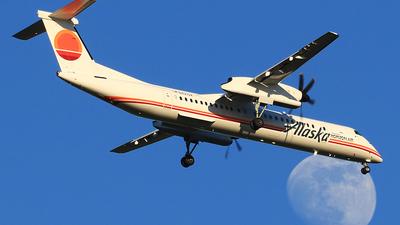 A picture of N421QX - De Havilland Canada Dash 8400 - Alaska Airlines - © Hongming Zheng