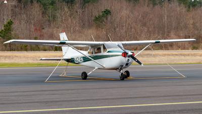 A picture of N4214Q - Cessna 172L Skyhawk - [17260114] - © Oliver Richter
