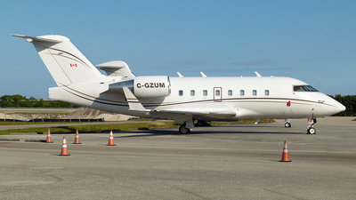C-GZUM - Bombardier CL-600-2B16 Challenger 604 - Sky Service Aviation
