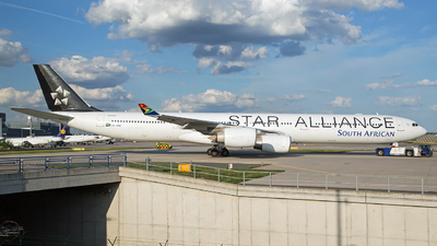 ZS-SNC - Airbus A340-642 - South African Airways