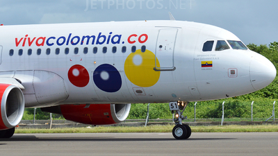 HK-5051 - Airbus A320-214 - VivaColombia
