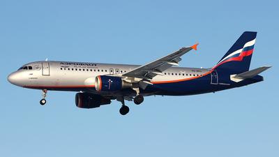 A picture of VQBKU - Airbus A320214 - Aeroflot - © Airyura