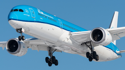 A picture of PHBKD - Boeing 78710 Dreamliner - KLM - © bill wang