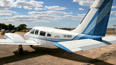 VH-MAP - Piper PA-34-200 Seneca - Private