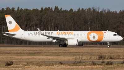 TC-OEE - Airbus A321-253N - Holiday Europe (Onur Air)