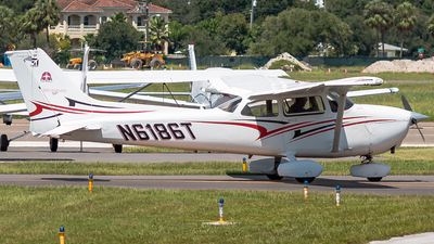 N6186T - Cessna 172S Skyhawk SP - Private