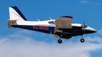 PJ-WEC - Piper PA-23-250 Aztec F - Windward Express Airways