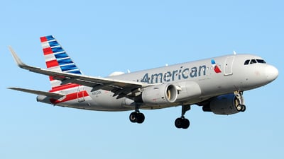A picture of N8001N - Airbus A319115 - American Airlines - © Alexander Portas