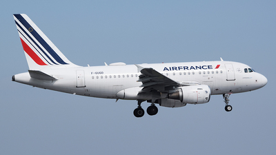 A picture of FGUGD - Airbus A318111 - Air France - © John Fitzpatrick