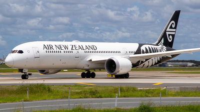 A picture of ZKNZF - Boeing 7879 Dreamliner - Air New Zealand - © James Saunders