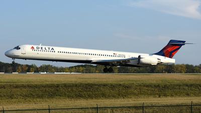 N907DA - McDonnell Douglas MD-90-30 - Delta Air Lines