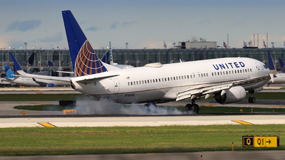 N76532 - Boeing 737-824 - United Airlines