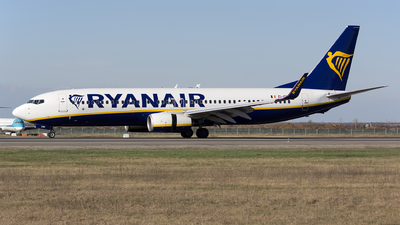 A picture of EIEBM - Boeing 7378AS - Ryanair - © Mihai Cioponea