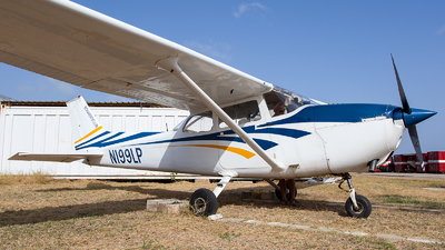 A picture of N199LP - Cessna 172M Skyhawk - [17264143] - © Kas van Zonneveld