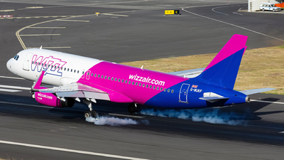 A picture of GWUKF - Airbus A320232 - Wizz Air - © Nelson Sousa
