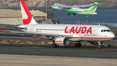 OE-LOX - Airbus A320-214 - LaudaMotion