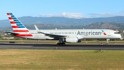 A picture of N939UW - Boeing 7572B7 - [27303] - © Fernando Hernandez Bolaños