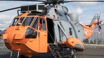 XV666 - Westland Sea King HU.5SAR - Heliops