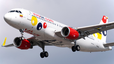 A picture of HK5318 - Airbus A320214 - Viva Air - © Juan David Mancipe