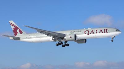 A picture of A7BAM - Boeing 7773DZ(ER) - Qatar Airways - © R. Eikelenboom