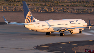 N33266 - Boeing 737-824 - United Airlines