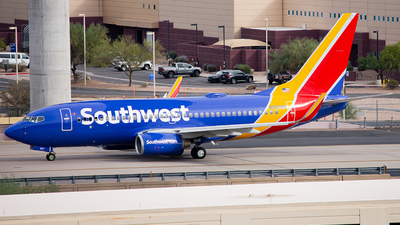 A picture of N927WN - Boeing 7377H4 - Southwest Airlines - © Alexander Owen