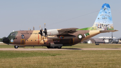 64144 - Lockheed C-130E Hercules - Pakistan - Air Force