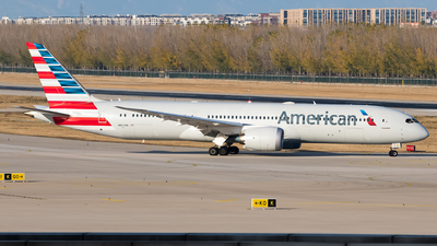 A picture of N827AN - Boeing 7879 Dreamliner - American Airlines - © Song Yingqi