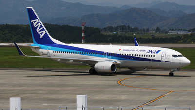 JA84AN - Boeing 737-881 - All Nippon Airways (ANA)