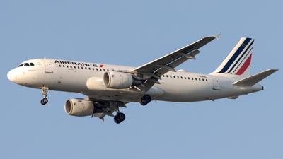 A picture of FHBNC - Airbus A320214 - Air France - © Emmanuel NARGIL