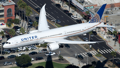 N13954 - Boeing 787-9 Dreamliner - United Airlines