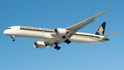 A picture of 9VSCA - Boeing 78710 Dreamliner - Singapore Airlines - © Steve Worner