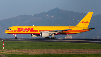 A picture of HP1810DAE - Boeing 75727A(PCF) - DHL - © Juan Pablo MS