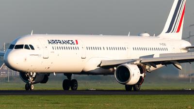 A picture of FGTAS - Airbus A321212 - Air France - © Antek Dec