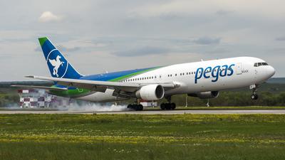 VP-BMC - Boeing 767-3Q8(ER) - Ikar