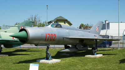 1702 - Mikoyan-Gurevich MiG-21PF Fishbed - Poland - Air Force