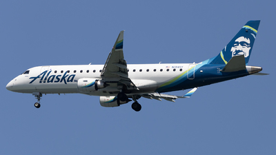 A picture of N194SY - Embraer E175LR - Alaska Airlines - © Angelos Panou