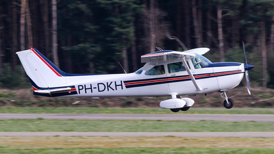 PH-DKH - Cessna 172P Skyhawk II - Private
