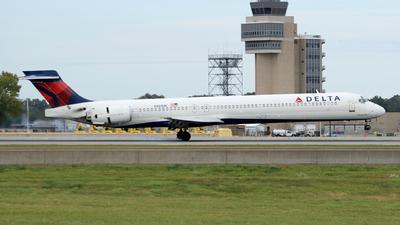 N921DN - McDonnell Douglas MD-90-30 - Delta Air Lines