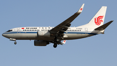 A picture of B5220 - Boeing 73779L - Air China - © Crazy XuePangpang