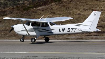 LN-BTT - Cessna 172S Skyhawk SP - Bergen Aero Klubb