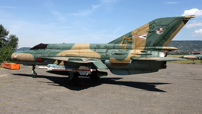 6009 - Mikoyan-Gurevich MiG-21 Fishbed - Hungary - Air Force