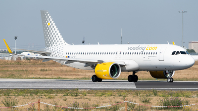 A picture of ECNFI - Airbus A320271N - Vueling - © Gilles Ferne