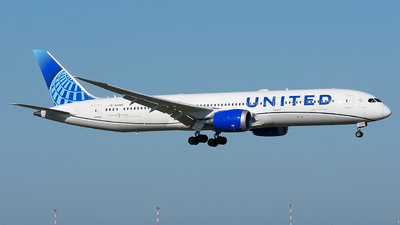 A picture of N24980 - Boeing 7879 Dreamliner - United Airlines - © Luca Cesati