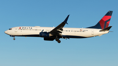 A picture of N807DN - Boeing 737932(ER) - Delta Air Lines - © Yixin Chen
