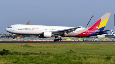 HL7515 - Boeing 767-38E - Asiana Airlines