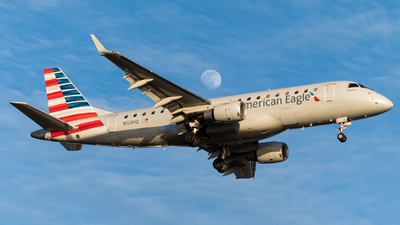 A picture of N126HQ - Embraer E175LR - American Airlines - © Nicolas Goodman