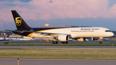 N422UP - Boeing 757-24A(PF) - United Parcel Service (UPS)