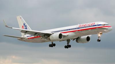 N618AA - Boeing 757-223 - American Airlines