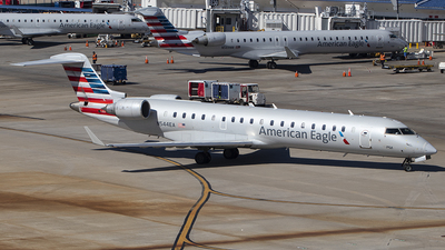 A picture of N544EA - Mitsubishi CRJ702ER - American Airlines - © Andrew Pries